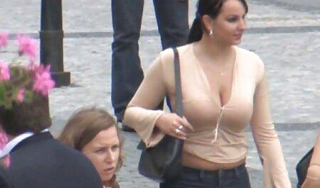 Capri Cavanni juega con su sexo anal amateur videos coño en un columpio