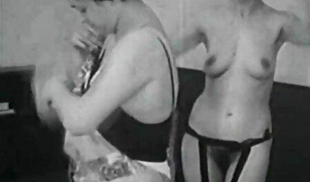 Britney Alexander incesto real amateur se perfora en el baño