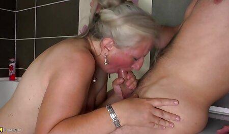 Nena adolescente súper sexy amateur sex hd provocando un coño estrecho con vibrador