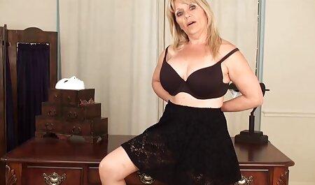 ¡PussyChu de Christiana Cinn se caseros amateur mete bolas hasta el fondo de su culo!