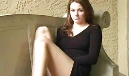 ¡La tetona Jelena Jensen se masturba el coño cremoso mature amateur xxx y lo lame hasta dejarlo limpio!
