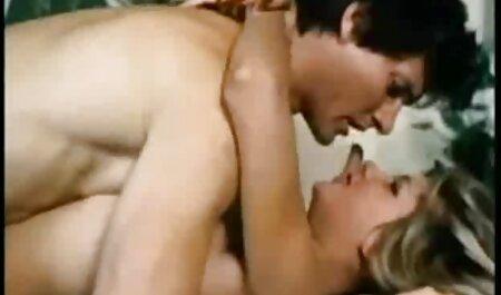 Tetona glamurosa follada por el culo en videos trans amateur un erótico trío FFM